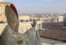 <p>File photo shows Pope Benedict XVI from the central balcony of Saint Peter's Square at the Vatican December 25, 2007. REUTERS/Osservatore Romano</p>