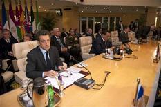 <p>Президент Франции Николя Саркози и президент Египта Хосни Мубарак участвуют в саммите по координации политики в отношении израильско-палестинского кофликта, Шарм-эль-Шейх, 18 января 2009 года. Группировка Хамас в воскресенье объявила о том, что прекращает огонь и дает Израилю, который ранее сообщил об одностороннем перемирии, неделю для вывода войск с территории сектора Газа. REUTERS/Philippe Wojazer</p>