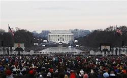 <p>La cerimonia al Lincoln Memorial in Washington. REUTERS/Mark Blinch</p>