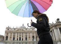 <p>Una immagine d'archivio della forte pioggia che si è abbattuta sulla capitale il mese scorso. REUTERS/Alessandro Bianchi</p>