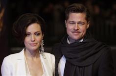 <p>A atriz Angelina Jolie e ao ator Brad Pitt REUTERS/Hannibal Hanschke (GERMANY)</p>