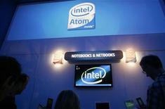 <p>Intel, Bloomberg: perdite possibili nel trimestre in corso. REUTERS/Rick Wilking</p>