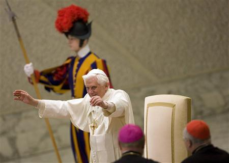 Pope Benedict XVI waves at the end of his Wednesday general audience in the Paul VI hall at the Vatican in this recent photo from January 21, 2009. REUTERS/Tony Gentile