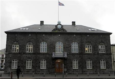 Iceland's Parliament house in Reykjavik January 26, 2009. REUTERS/Ints Kalnins