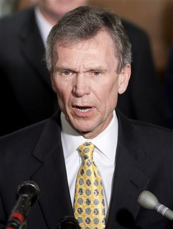Secretary-designate for Health and Human Services Tom Daschle speaks to the media after meeting with Senate Finance Committee about his pending nomination on Capitol Hill in Washington February 2, 2009. REUTERS/Joshua Roberts