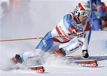 <p>Lo svizzero Carlo Janka durante lo slalom gigante dei Mondiali di sci in Val d'Isere, Francia, 13 febbraio 2009. REUTERS/Dominic Ebenbichler</p>