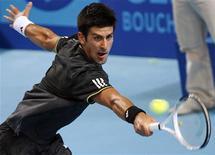 <p>Djokovic em partida contra o tenista alemão Mischa Zverev nesta sexta-feira, da qual saiu vitorioso, classificando-se as semifinais do Torneio de Marselha. REUTERS/Jean-Paul Pelissier</p>