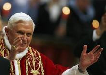 <p>Pope Benedict XVI waves as he arrives to attend a ceremony to mark the World Day of the Sick in Saint Peter's Basilica at the Vatican, February 11, 2009. REUTERS/Alessia Pierdomenico</p>