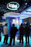 <p>La Commission européenne a rejeté la demande d'audition formulée par Intel dans le cadre de l'enquête anti-trust menée par l'exécutif européen contre le fabricant de semi-conducteurs. /Photo prise le 8 janvier 2009/REUTERS/Steve Marcus</p>