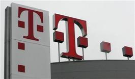 <p>Il logo di Deutsche Telekom alla sede centrale di Bonn. REUTERS/Ina Fassbender (GERMANY)</p>