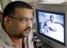 <p>Tushar Gandhi, pronipote del Mahatma. REUTERS/Sherwin Crasto SC/TW</p>