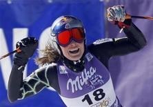 <p>L'americana Lindsey Vonn esultante per la vittoria al supergigante di Coppa del Mondo in Bulgaria. REUTERS/Laszlo Balogh</p>