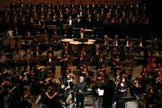 <p>YouTube lancia sua prima orchestra sinfonica, con due italiani. REUTERS/Jamal Saidi</p>