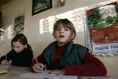 <p>Su un nuovo sito web francese gli studenti più piccoli possono pagare i più grandi perché facciano i loro compiti. REUTERS/Hazir Reka (SERBIA)</p>