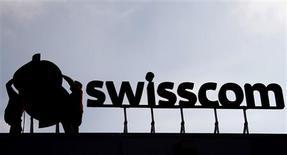 <p>Swisscom a réalisé des chiffres 2008 supérieurs aux attentes mais le leader du marché helvétique des télécommunications s'attend cependant à un recul des activités en Suisse en 2009. /Photo d'archives/REUTERS/Pascal Lauener</p>