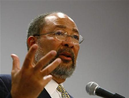 Incoming Citigroup Chairman Richard Parsons speaks at the New York State Bar Association meeting in New York, January 28, 2009. REUTERS/Brendan McDermid