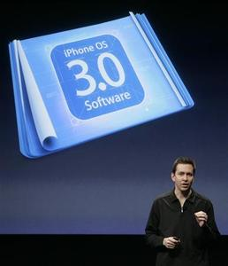 Scott Forstall, senior vice president for iPhone Software, introduces the iPhone OS 3.0 software at Apple Inc. campus in Cupertino, California March 17, 2009. REUTERS/Robert Galbraith