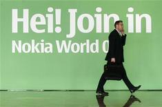 "<p>Una insegna Nokia al congresso ""Nokia World 08"" a Barcellona. REUTERS/Albert Gea</p>"