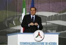 <p>Il premier Silvio Berlusconi oggi alla conferenza stampa per l'apertura del termovalorizzatore di Acerra. REUTERS/Ciro De Luca</p>