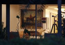 <p>The interior of a home belonging to Bernard Madoff is shown after it was seized by U.S. Marshals in Palm Beach, Florida, April 1, 2009. REUTERS/Hans Deryk</p>
