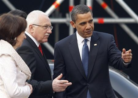 President Barack Obama is shown the way to a welcoming ceremony by Czech President Vaclav Klaus at Prague Castle in Prague April 5, 2009. REUTERS/Jason Reed