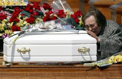 Quake victims laid to rest