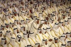 <p>Immagine d'archivio di un matrimonio collettivo organizzato per 1.600 coppie a Riyadh. REUTERS/Ali Jarekji (SAUDI ARABIA)</p>