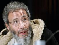 <p>British singer Yusuf Islam, formerly known as Cat Stevens, listens to journalists' questions during a news conference before Monday's Nobel Peace Prize Concert in honour of Muhammad Yunus from Bangladesh in Oslo December 11, 2006. REUTERS/Leonhard Foeger</p>