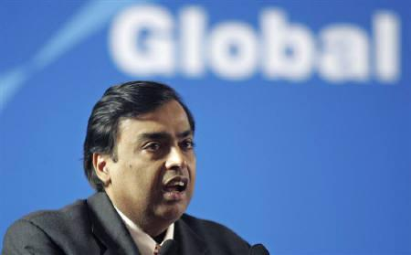 Mukesh Ambani, Chairman of Reliance Industries, speaks during an investors meet in Ahmedabad in this January 12, 2007 file photo. REUTERS/Amit Dave/Files