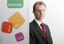 <p>Benoît Scheen, le directeur général de Mobistar. Le deuxième opérateur de téléphonie mobile en Belgique, contrôlé par France Télécom, a enregistré une baisse de 6,6% de son excédent brut d'exploitation (EBE) au premier trimestre, à 134 millions d'euros, contre une moyenne de 142 millions d'euros prévue par les analystes. /Photo prise le 5 février 2009/REUTERS/Sébastien Pirlet</p>