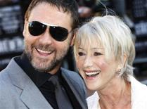 "<p>Russell Crowe e Helen Mirren alla prima a Londra di ""State of Play"". REUTERS/Stephen Hird</p>"