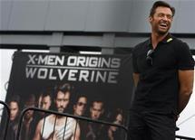 """<p>El actor australiano Hugh Jackman durante el estreno de la cinta """"X-Men Origins: Wolverine"""" en Tempe, EEUU, 27 abr 2009. Jackman retomará el viernes sus pasos como un mutante con garras en """"X-Men Origins: Wolverine"""" luego de su elegante presentación en los premios Oscar y de protagonizar el romance """"Australia"""" que fracasó en la taquilla estadounidense. REUTERS/Joshua Lott</p>"""