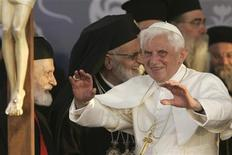 <p>Papa Benedetto inizia oggi la parte più delicata del suo primo viaggio in Medioriente, con la visita in Israele e nei Territori palestinesi. REUTERS/Muhammad Hamed (JORDAN POLITICS RELIGION SOCIETY)</p>