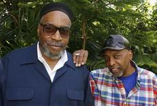 <p>Songwriters Kenneth Gamble (L) and Leon Huff pose during a portrait session in Beverly Hills, California May 18, 2009. REUTERS/Fred Prouser</p>