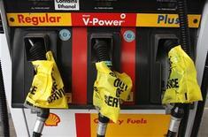 <p>Benzinai in sciopero in tutta Italia il 24 e 25 giugno. REUTERS/Richard Carson</p>