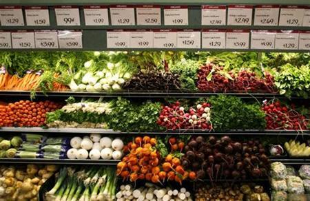 Organic vegetables are shown at a Whole Foods Market in LaJolla, California in this May 13, 2008 file photo. REUTERS/Mike Blake/Files