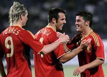 <p>David Villa (D) comemora com Fernando Torres e Carlos Marchena gol em vitória de 6 a 0 da Espanha sobre o Azerbaijão em amistoso. REUTERS/Trend/Emin Mamedov</p>