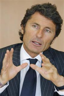 Stephan Winkelmann, CEO of Lamborghini, attends the Reuters Global Luxury Summit in Paris on June 10, 2009. REUTERS/John Schults