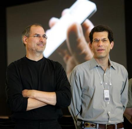 Apple Computer Inc. Chief Executive Steve Jobs (L) poses with then Apple senior Vice President Jon Rubinstein after a news conference on the opening day of Paris Apple Expo 2005 in this September 20, 2005 file photo. Palm named Rubinstein its CEO on Wednesday, hoping the former Apple executive will usher in a new era for a company seeking to revive its fortunes with a fresh smartphone launched last weekend. REUTERS/Charles Platiau