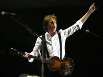 <p>Cantor e músico britânico Paul McCartney em Indio, nos EUA. 17/04/2009. REUTERS/Mario Anzuoni</p>