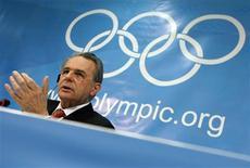 <p>Chefe do Comitê Olímpico Internacional, Jacques Rogge, disse que a economia não deve decidir sede dos Jogos Olímpicos de 2016. REUTERS/Ruben Sprich</p>
