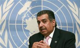 """<p>Специальный посол ООН по гумнитарным вопросам Абдула Азиз Аррукбан на интервью с агенством Рейтер в Исламабаде 22 июня 2009 года. Около 40.000 пакистанцев были вынуждены бежать из Южного Вазиристана - области на северо-западе Пакистана на границе с Афганистаном - еще до начала операции против боевиков движения """"Талибан"""", сообщили в понедельник представители ООН. REUTERS/Faisal Mahmood</p>"""