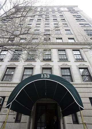 The Upper East Side home of Bernard Madoff is seen at 133 East 64th St. in New York April 1, 2009. REUTERS/Shannon Stapleton