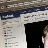 <p>Selon une source proche de la situation, Digital Sky Technologies offrira 14,77 dollars par action ordinaire aux employés de Facebook qui accepteront de céder leurs titres. /Photo d'archives/REUTERS</p>