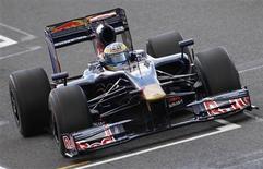 <p>A Toro Rosso deve romper com Sebastien Bourdais antes do Grande Prêmio da Hungria, na próxima semana, e o espanhol Jaime Alguersuari deve substituí-lo como o piloto mais jovem da história da Fórmula 1. REUTERS/Stephen Hird</p>