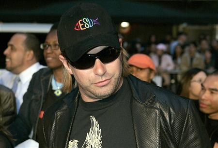 Stephen Baldwin arrives for a special screening of the film Mission Impossible III at the Ziegfeld Theater in New York, May 3, 2006. REUTERS/Keith Bedford