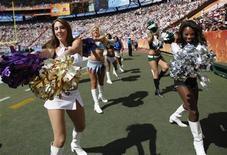 <p>Secondo uno studio Usa, gli infortuni più gravi tra sportivi di high school e college avvengono tra le cheerleader a bordo campo. REUTERS/Hugh Gentry(UNITED STATES)</p>