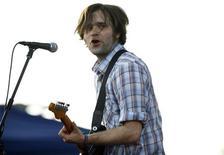 <p>Foto de arquivo do músico Ben Gibbard, da banda Death Cab, no Festival de Música de Coachella. 26/04/2008. REUTERS/Mario Anzuoni</p>