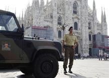 <p>Funerali di Stato per Mike Bongiorno, sabato in Duomo a Milano. REUTERS PICTURE</p>