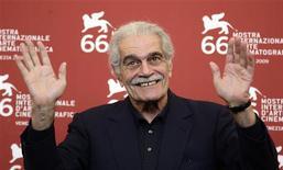 <p>Ator Omar Sharif posa para foto durante 66a edição do festival de cinema de Veneza. Futuro e passado não significam nada nessa idade,diz Sharif. REUTERS/Tony Gentile</p>